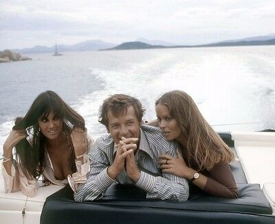 Sir Roger Moore , Caroline Munro & Barbara Bach 8x10 PHOTO - JAMES BOND H76