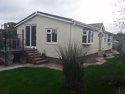 3 bed Park Home for sale in Devon, spacious with large secluded gardens