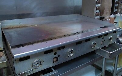 """Wolf AGM48 Manual Control Heavy-Duty Gas Griddle 48"""" W x 24"""" D Griddle NG or LP"""