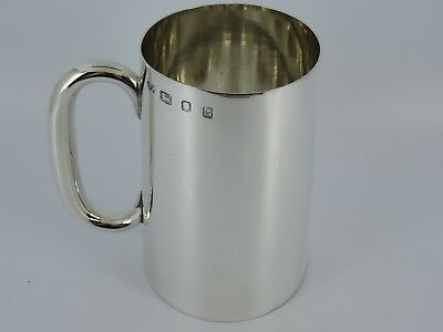 Splendid Solid Sterling Silver Plain One Pint Beer Tankard London 1942 399G