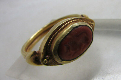 Beautiful Persian 16ct gold ring with lion intaglio stone