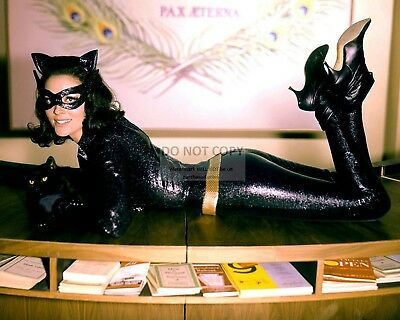 """Lee Meriwether As """"Catwoman"""" In Film """"Batman"""" - 8X10 Publicity Photo (Fb-330)"""