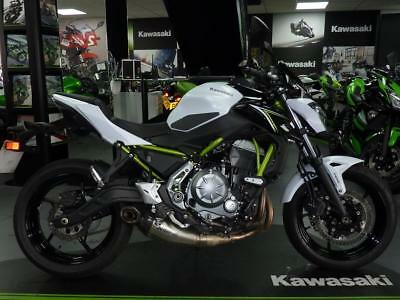 KAWASAKI Z650 With AKRAPOVIC And Genuine Kawasaki Extras EX DEMO ONLY 294 MILES
