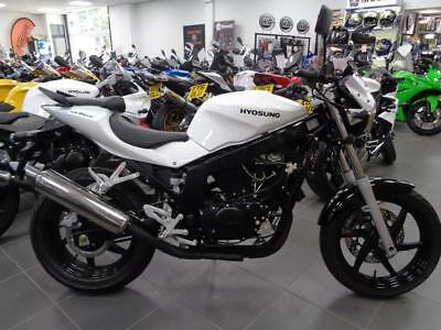 Hyosung Gt 125 Naked,, 01257 230300 Was 2999! Save 500
