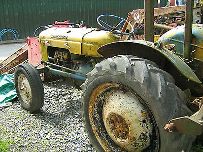 Fordson Dexta Tractor restoration project