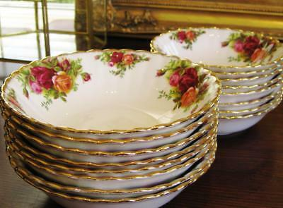 "Beautiful vintage ROYAL ALBERT ""Old Country Roses"" breakfast/ dessert bowl."