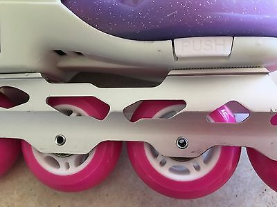 Girls roller blade, great condition, protector set