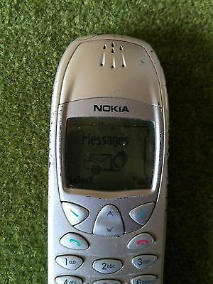 2000 DISCONTINUED OLD STYLE MOBILE PHONE NOKIA 6210 Silver Grey Dusk