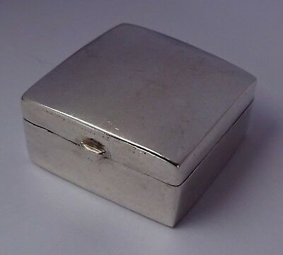Lovely solid sterling silver pill box with domed and hinged lid. London 1987