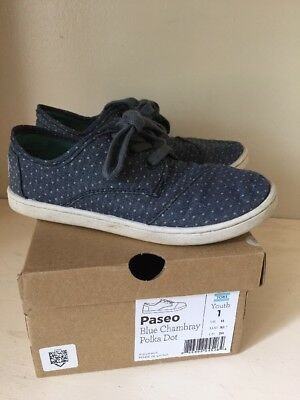 Tiny Toms Size 1 Youth Girls Shoes Paseo Blue Chambray Polka Dot