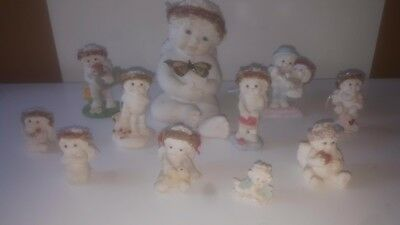 Lot of 11 Dreamsicles (10 figurines and 1 candle)