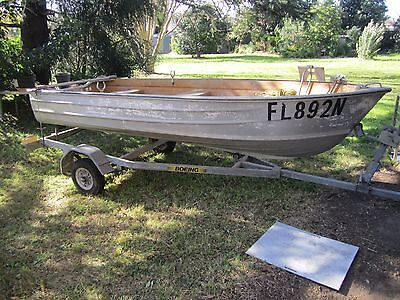 Aluminium boat (approx. 12ft) with Boeing trailer