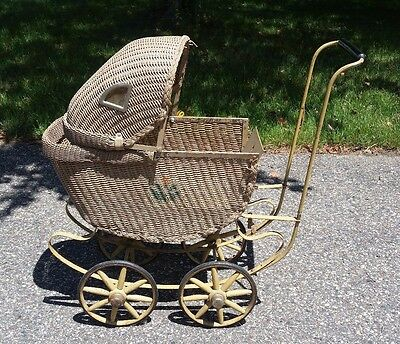 1880's Antique Wicker Baby Doll Buggy Carraige