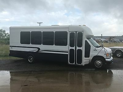 """1999 Ford E-Series Van Limo Style Interior 1999 Ford E-450 Super Duty RV Party/Limo Bus 7.3L Diesel """"NO RESERVE"""""""