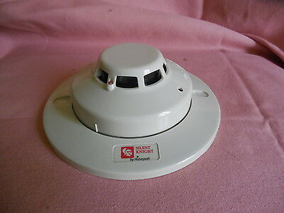 Silent Knight SD505-APSW Smoke Detector with Base