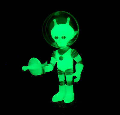 Colorforms Outer Space Men New 2017 Alpha 7 Cosmic Radiation Glows In The Dark