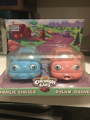 The Chevron Cars Charlie Chaser and Dylan Dasher 2002 NIP