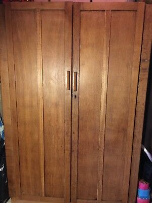 Vintage Antique Arts And & Crafts Panelled Oak Wardrobe Hall Robe Cupboard
