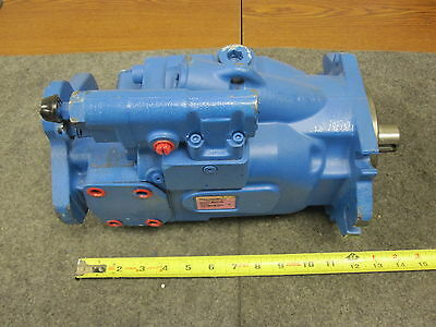 New Eaton Vickers Piston Pump # 421Ak00982B
