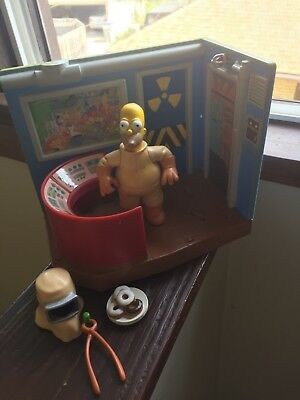 THE SIMPSONS World of Springfield Nuclear Power Plant and Homer Figure Complete
