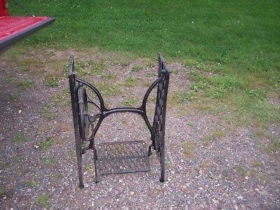 Antique Singer Treadle Sewing Machine Cast Iron Base