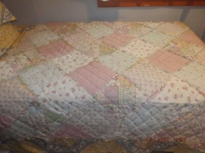 Girls Throw Patchwork Quilt Pastel,floral. N.w.o.t