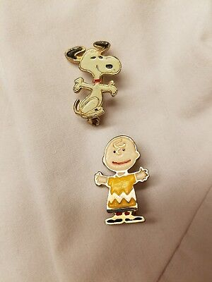 United Features Snoopy Charlie Brown pins late 1960 early 1970