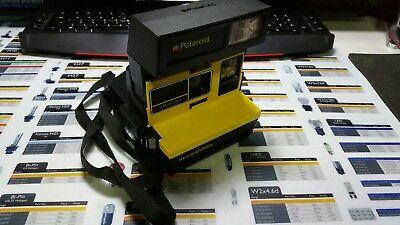 Polaroid Supercolors Camera with carry bag and manual (600 film)