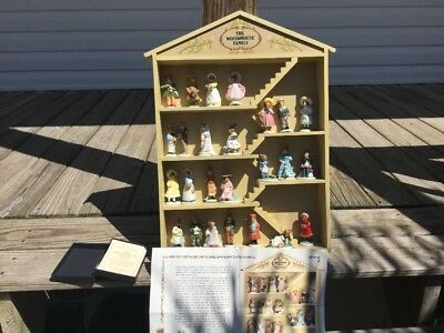 Vintage Woodmouse Family & Display House With 24 Mice -1985 Franklin Mint VGC