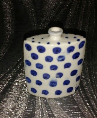 Flask Shaped Chinese Blue White Pottery Snuff Bottle