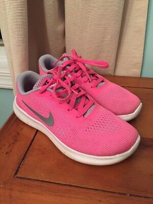 Nike Free RN Size 2 Youth Girls Shoes Pink EUC