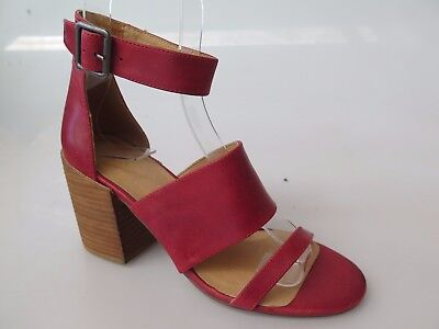 Silent D - new ladies leather sandal size 37 #41