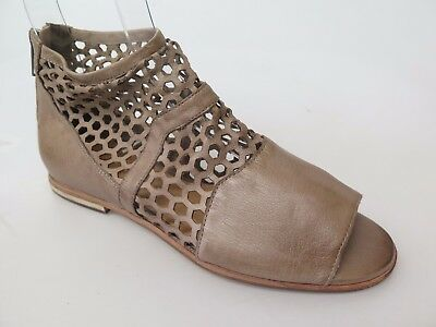 Silent D - new ladies leather sandal size 37 #42