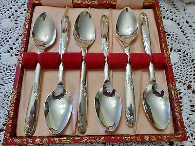 6 Boxed Vintage English Silver Plate Teaspoons