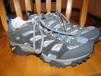 Womans Merrell shoes size 6
