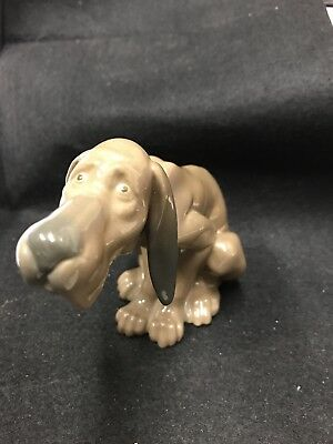 "Lladro Porcelain ""TIMID DOG"" BLOODHOUND FIGURINE"