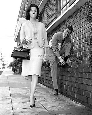 Dick Van Dyke & Mary Tyler Moore - 8X10 Publicity Photo (Zy-869)