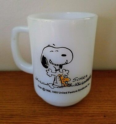 """Vintage Fire King Snoopy & Woodstock """"This Has Been A Good Day!"""" Mug"""