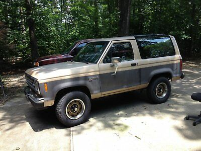 1988 Ford Bronco II  1988 FORD BRONCO II XLT 4X4 5 SPEED TRANSMISSION V6 MOTOR