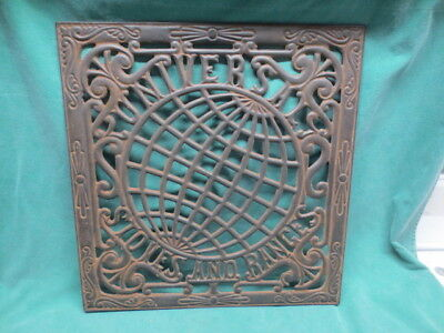 vtg/antique Universal Stoves and Ranges World Globe Cast iron Grate