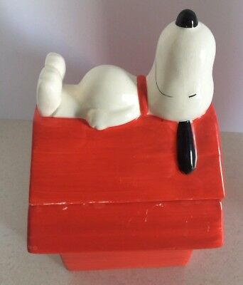 PEANUTS SNOOPY Dog House Gibson Cookie Jar Charlie Brown Schultz Peanuts