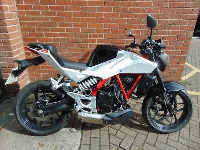 2016 (66) Hyosung Gd250 Naked - Delivery Mileage