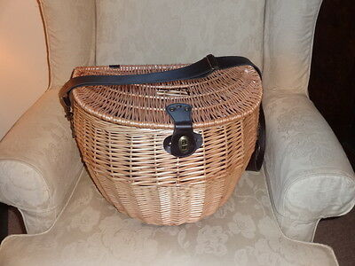WICKER LARGE TROUT FISHING PICNIC CREEL BASKET - 42cm x 30cm x 30cm