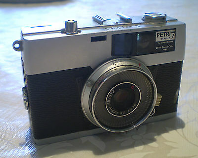 Vintage 1962 Petri Half 7 The Candid Camera 35Mm Viewfinder Camera