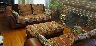 Lounge suite / 2 Piece Couch and Ottoman