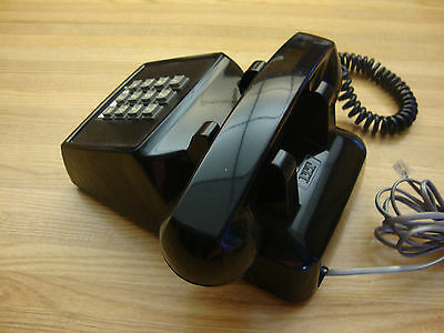 Vintage 1963 Itt Black Pushbutton Desk Telephone Made In Canada