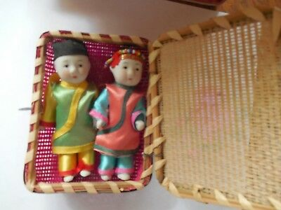Collectible.vintage Japanese Wedding Couple Limbs Move Porcelain Dolls