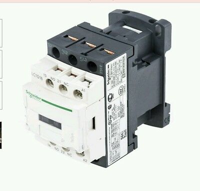Schneider TeSys LC1 3 Pole Contactor, 18 A, 7.5 kW, 240 V ac Coil