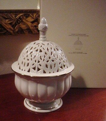 Lenox Illuminations Versailles Flared Covered Candlebox w/orig candle and box