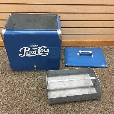 1950's Vintage Pepsi Cola Double Dot Cooler .Blue & White. Very good  condition.
